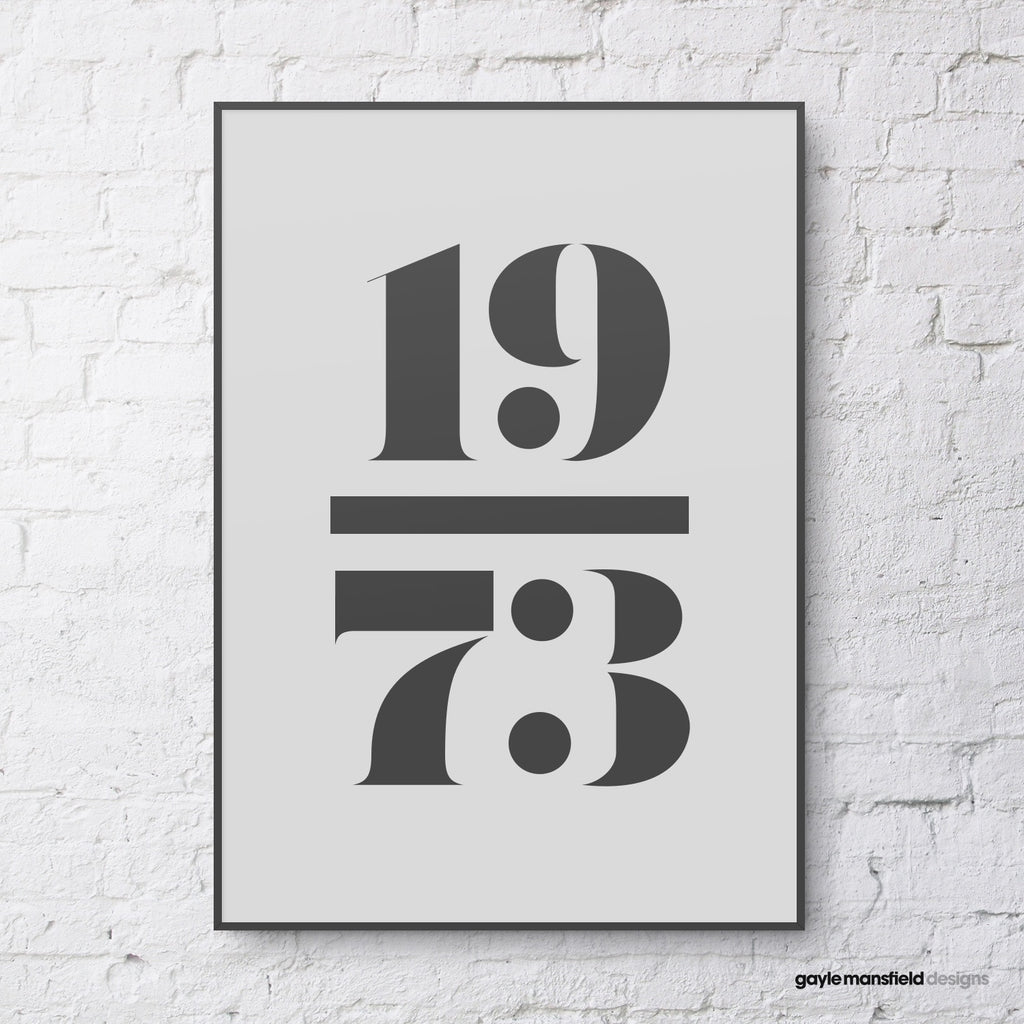antique digit/letter (black on grey)