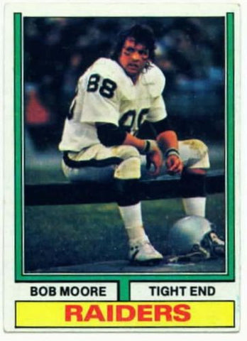 1974 Topps Bob Moore Oakland Raiders card