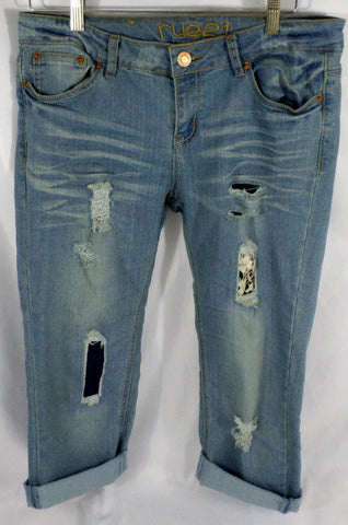 RUE 21 Cuffed and Distressed Capri Jeans Womens Size 9/10 Broken In - redrum comics