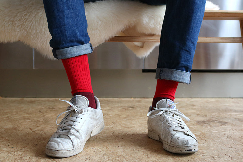 Color block red socks escuyer