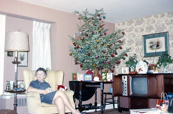 Vintage Christmas tree picture living room