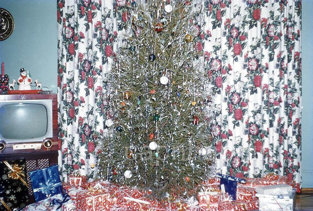 Vintage Christmas tree picture
