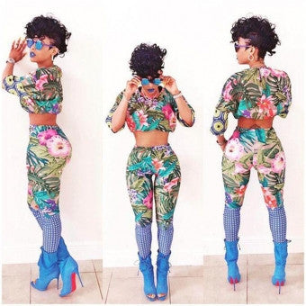 Two Piece Tropical Flower Set