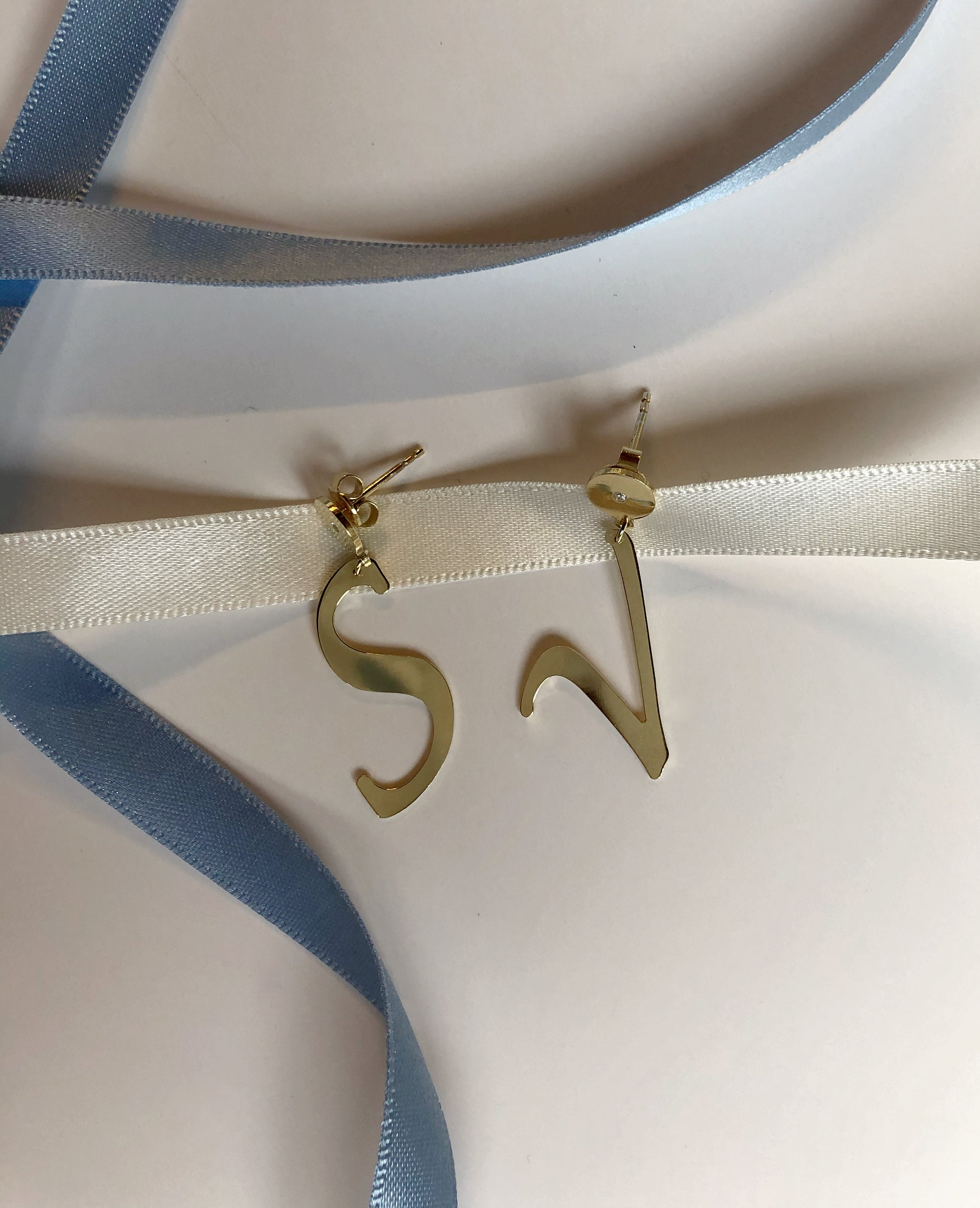 LETTRES SPЀCIALES earrings - BYVELA jewellery