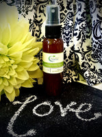 All-Natural Makeup Setting Spray