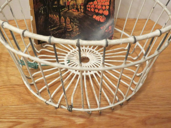 Vintage White Coating Metal Clam Basket