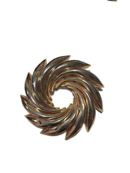 Vintage Wreath Pin - [vintage and antiques], Duckwells