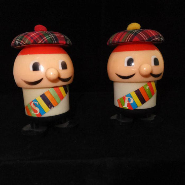 Vintage Retro Plastic Salt and Pepper Shakers Mid Century Kitchen Collectible - [vintage and antiques], Duckwells