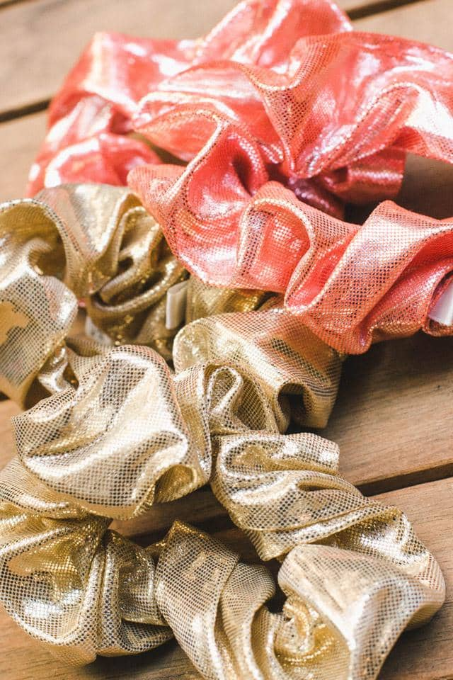 Metallic 2-pack Scrunchies