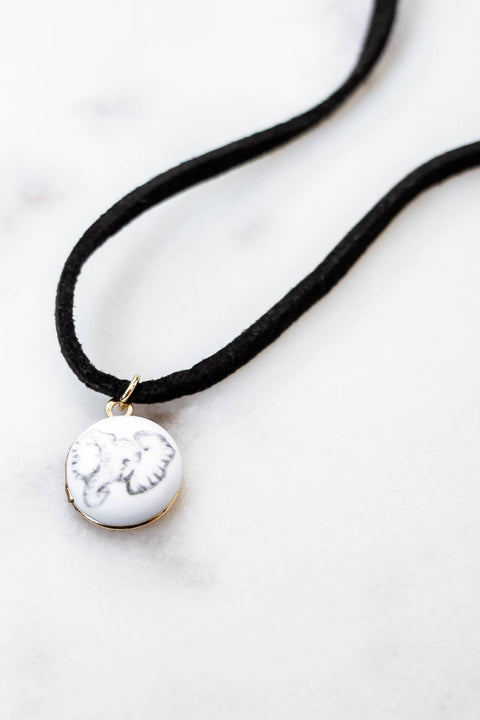 Ivory Ella Jewelry Gold & Black Locket Choker
