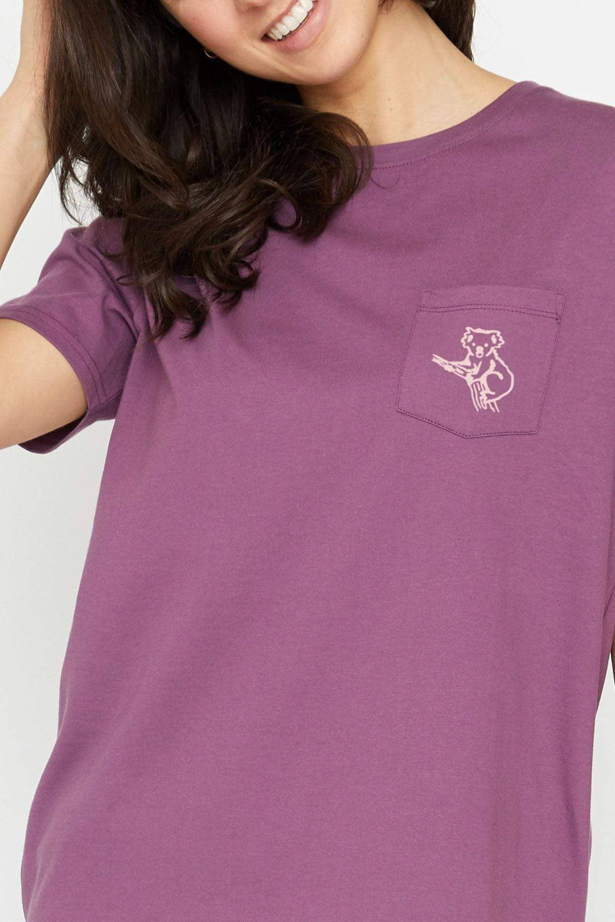 Ella Regular Fit Protect Theirs Tee (Berry / M)