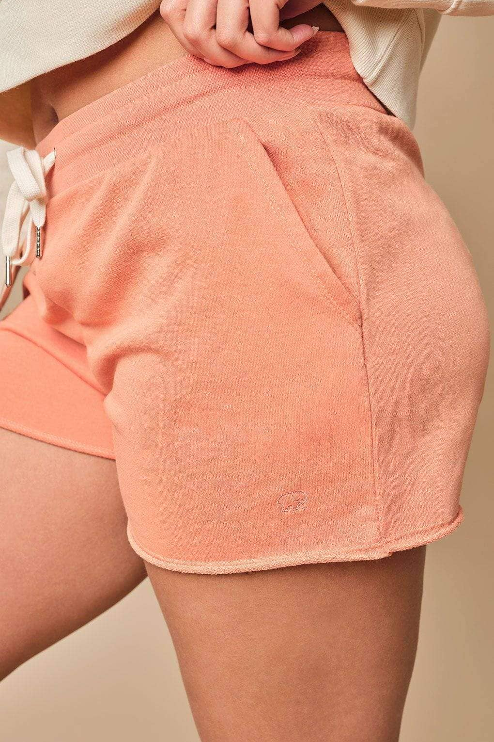 Analee Regular Fit Cut-Off Short (Clay / L)