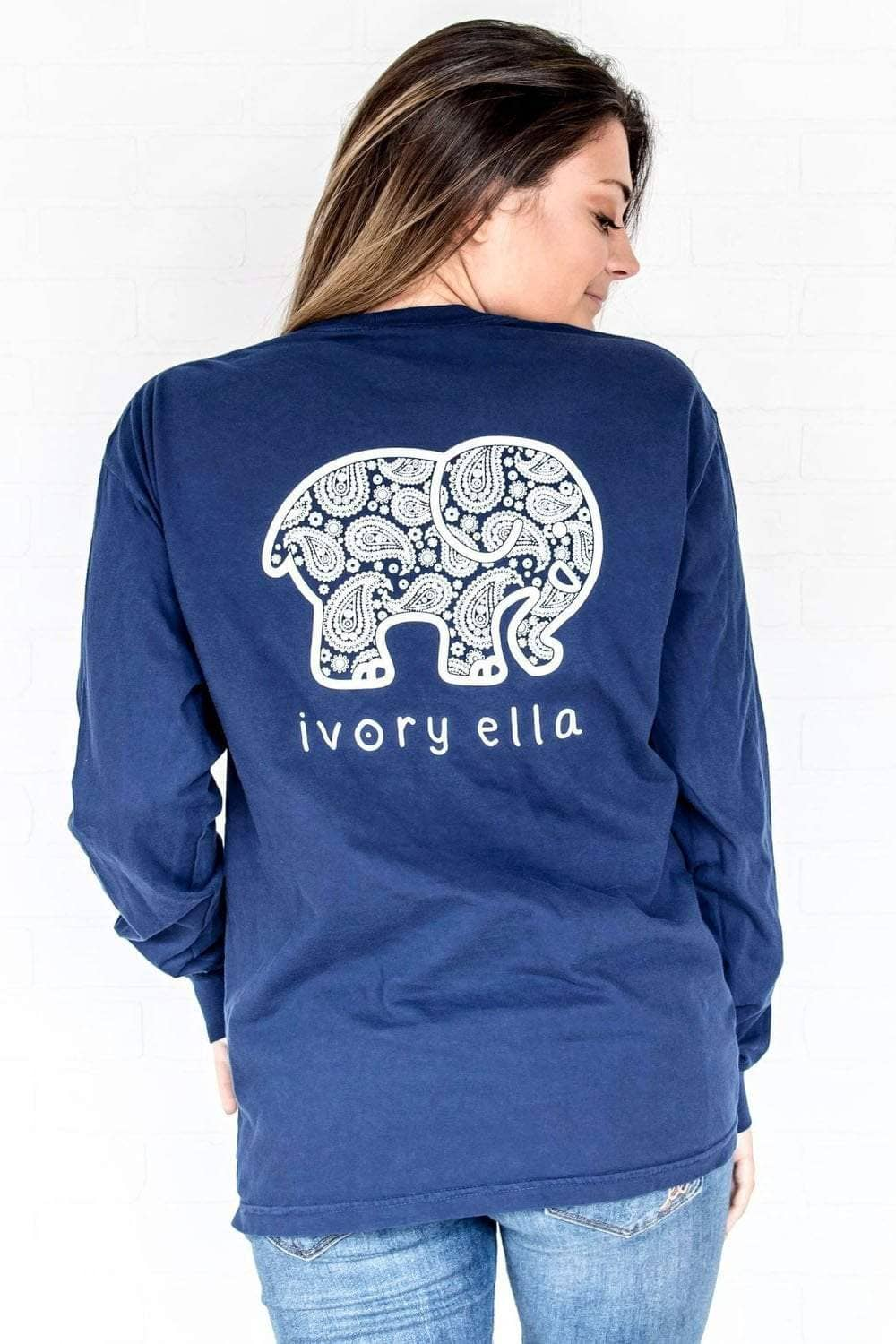 a06c7974592d5f Ivory Ella Women s Long Sleeve Shirts Navy   S Classic Fit Dark Navy  Inverse Paisley Tee
