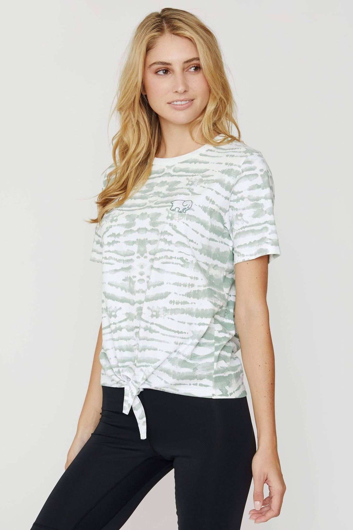 Ivory Ella Women's Short Sleeve Tees Lily Pad Tie Dye Knot-front Tee