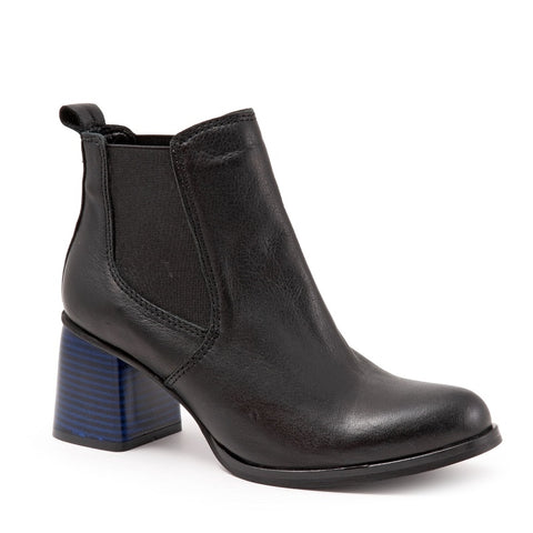 BLACK AMALFI LEATHER W/ BLUE HEEL
