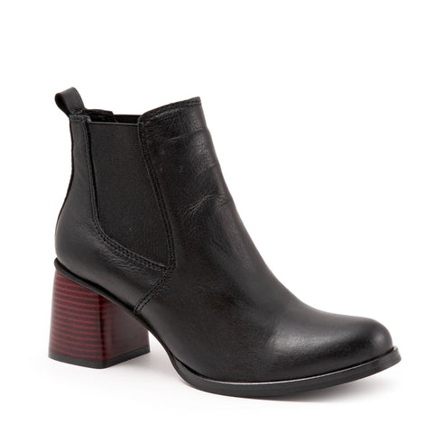 BLACK AMALFI LEATHER W/ RED HEEL