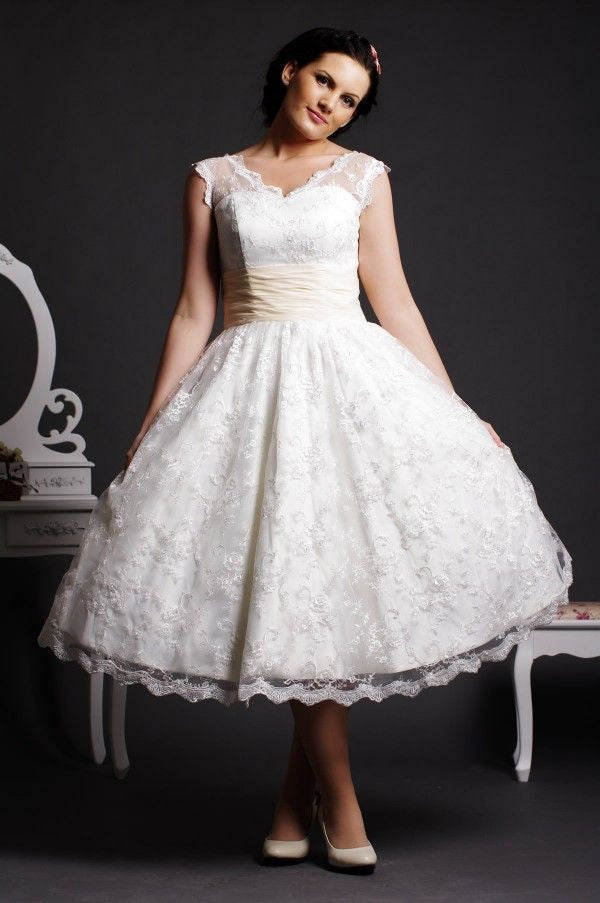 50s Retro Tea Length Lace Wedding Dress with V Neckline