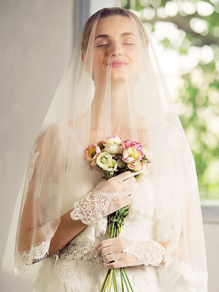 Eyelash Lace Edge Finger Tip Length Wedding Veil