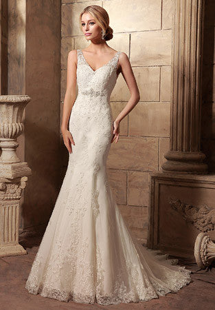 Vintage Style Fit and Flare Lace Wedding Dress | HL1003
