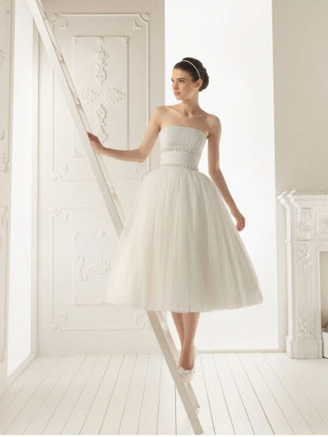 Classic Strapless Tulle Wedding Dress