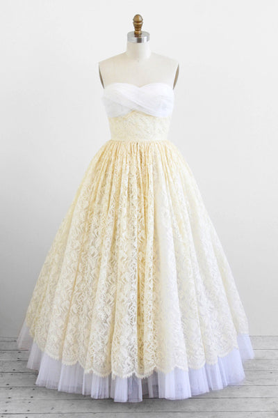 Retro Strapless Lace Floor Length Wedding Dress