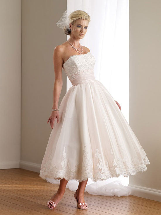 Retro Vintage Style Tea Length Lace Wedding Dress