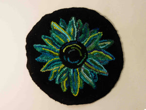 Funky Flower rug hooking kit