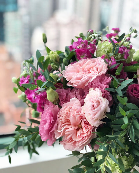 Floral Gift : Pink&Green Bouquet
