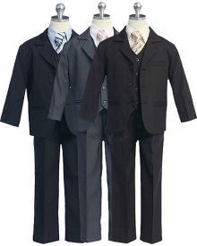 Boys suit with different color tie
