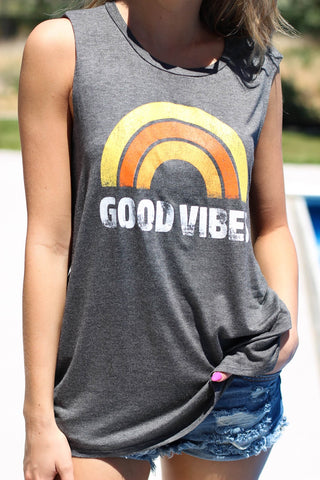 Good Vibes Graphic Top in Grey