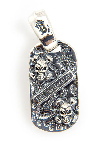 Graffiti w/2 Skull Cross Bones Dog Tag w/Large Bale