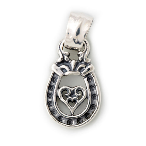 "Horseshoe Pendant ""TRIBAL HEART"" Top - Medium"