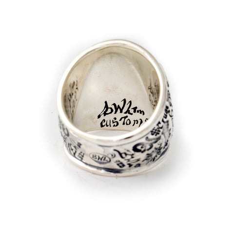 "Graffiti Dome Ring ""HEART with BANNER"" Top"