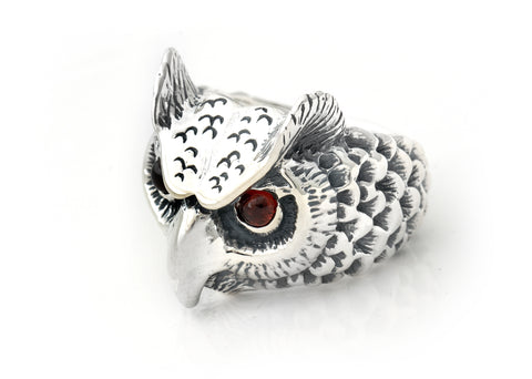 BWL Medium Owl Ring with Stone Eyes