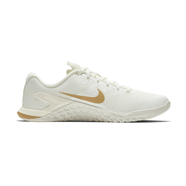 Nike Women's Metcon 4 Sail/Metallic Gold