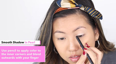 Application of Elizabeth Mott Smooth Shadow Pencil in Pearl Shade
