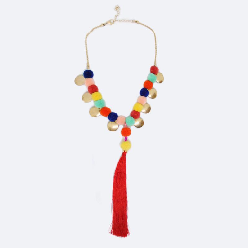 COLLAR DORADO CON POM POMS DE COLORES Y DIJE LARGO DE BARBITAS MS7241MUL