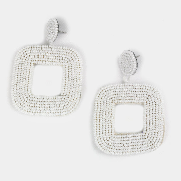 Aretes blanco largos chaquira