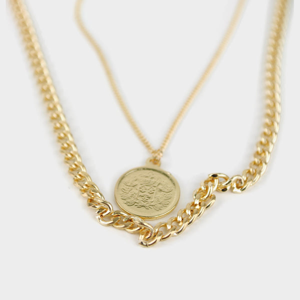 Collar multi-cadena con moneda