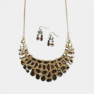 Set collar y aretes dorados