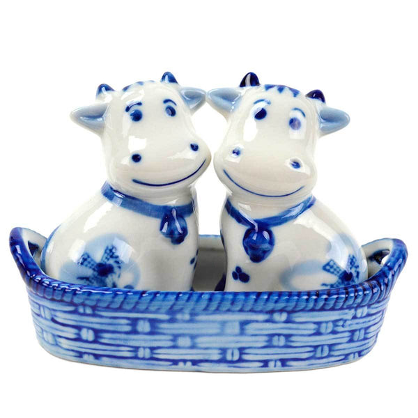 Cows Salt and Pepper Shakers: Cows/Basket - GermanGiftOutlet.com  - 1