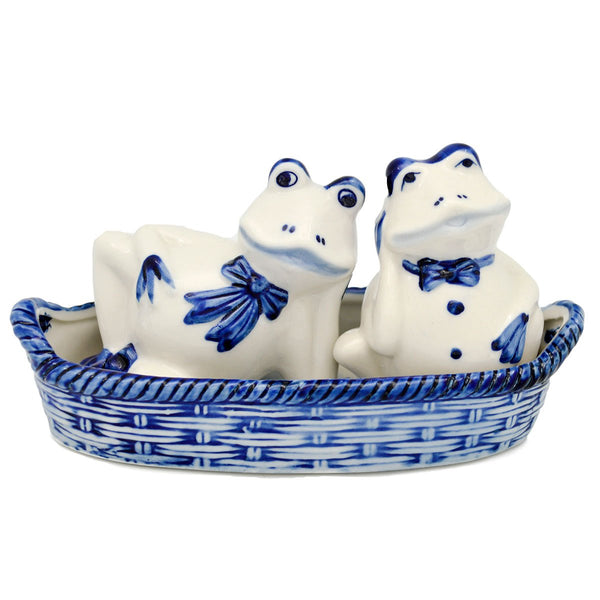 Frogs Salt and Pepper Shakers: Frogs/Basket - GermanGiftOutlet.com  - 1