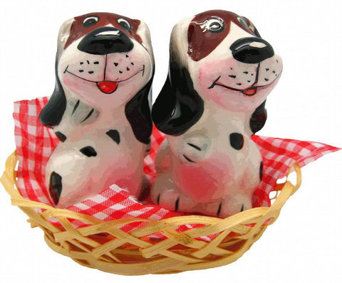 Animal Salt and Pepper Shakers Dogs Basket - GermanGiftOutlet.com  - 1