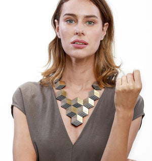 Load image into Gallery viewer, Jeanne Darc red statement leather necklace