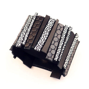 Load image into Gallery viewer, Hellena black and white leather cuff - ShulliDesign