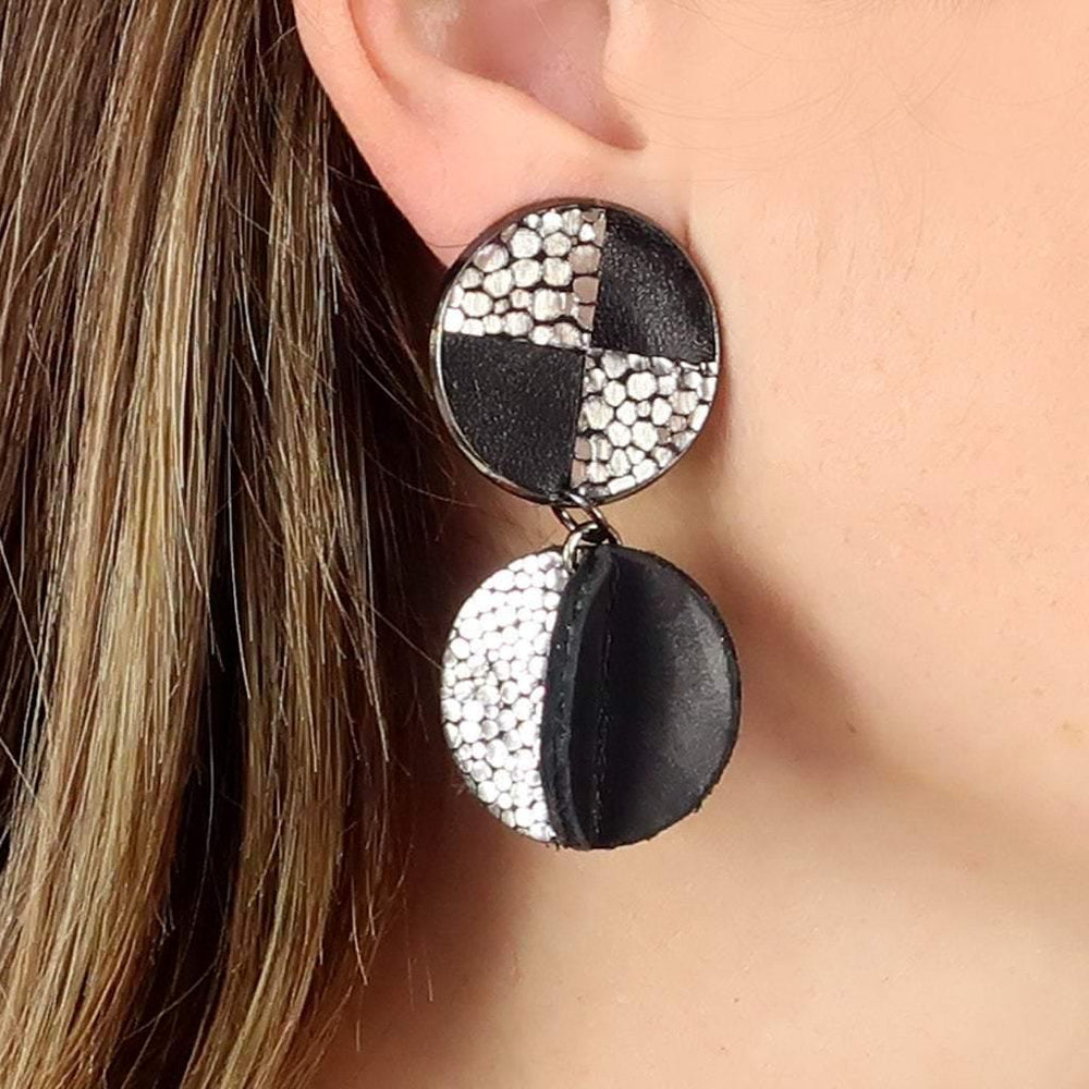 Load image into Gallery viewer, Pinwheel silver black clip-on earrings