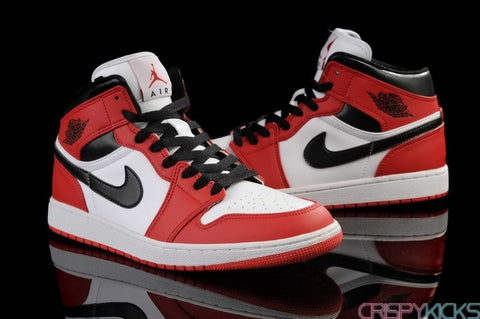 AIR JORDAN 1 (VARSITY RED / WHITE)