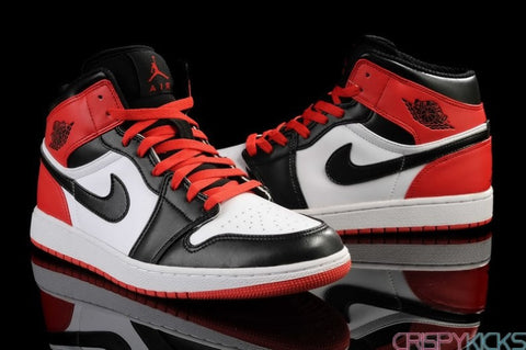 AIR JORDAN 1 (VARSITY RED / BLACK TOES)