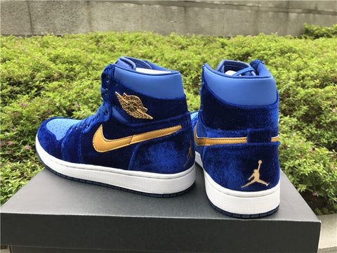 7bdbb453187f68 AIR JORDAN 1 (ROYAL BLUE VELVET) – CrispyKicks