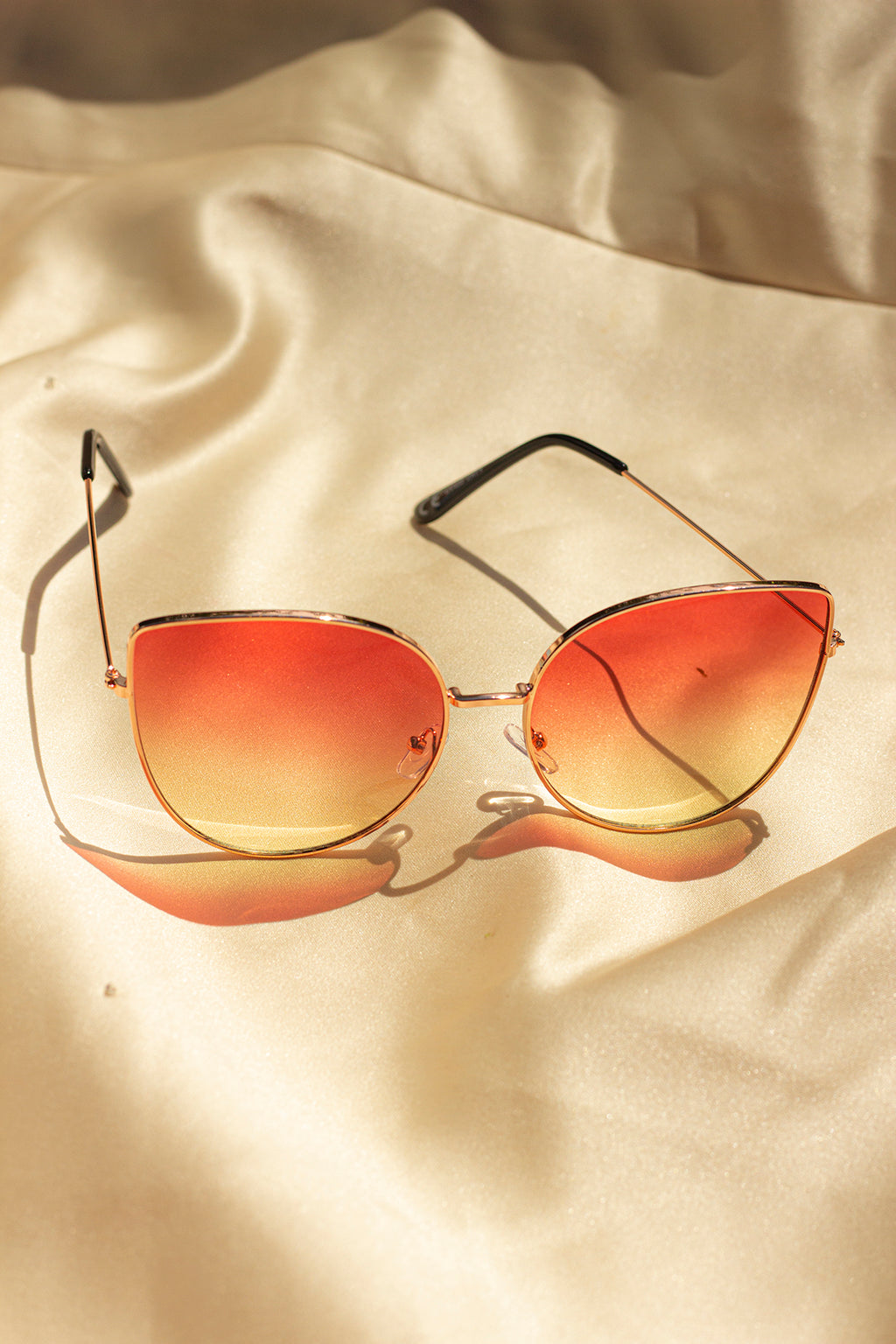 Gradient Tint Butterfly Wire Frame Cat Eye Sunglasses - Sugar + Style